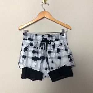 Lululemon Printed Running Shorts With Mesh Lining